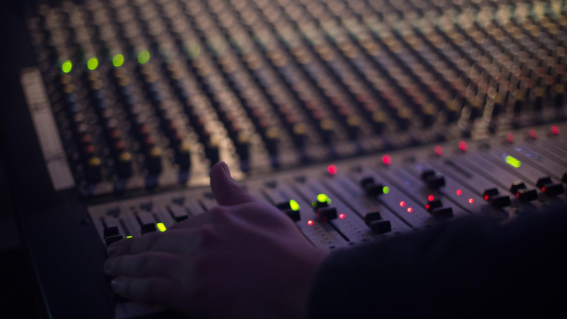 urban-adult-contemporary-consulenza-radiofonica