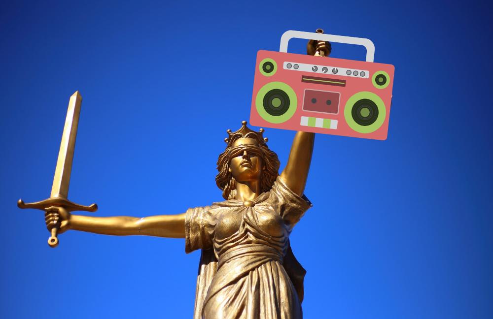legge italiana-consulenza radiofonica-legge web radio-web radio-emittente radiofonica-emittente online-emittente web