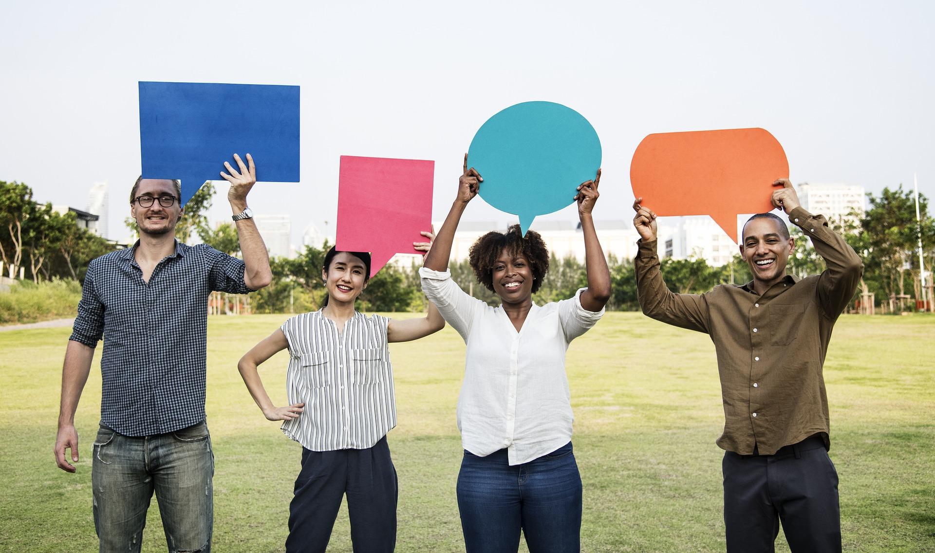 utenti dei social network-commenti social network-consulenza radiofonica-servizi di consulenza radiofonica
