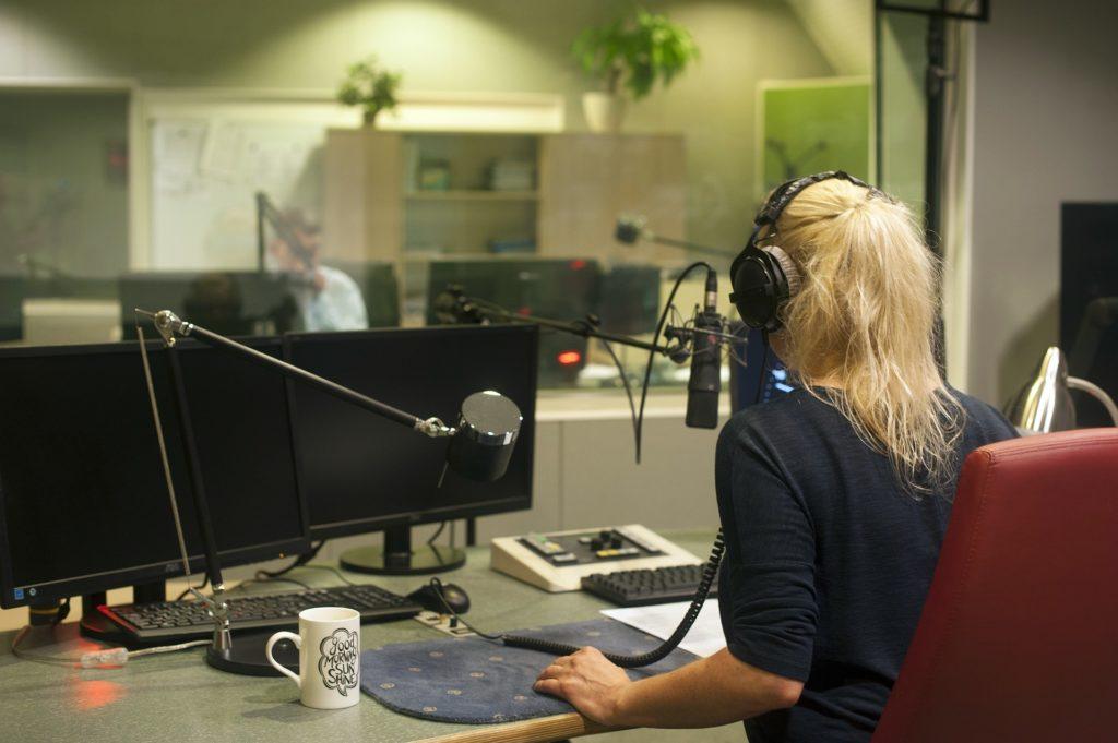 scegliere la mia radio-colazione con il ceo-consulenza radiofonica