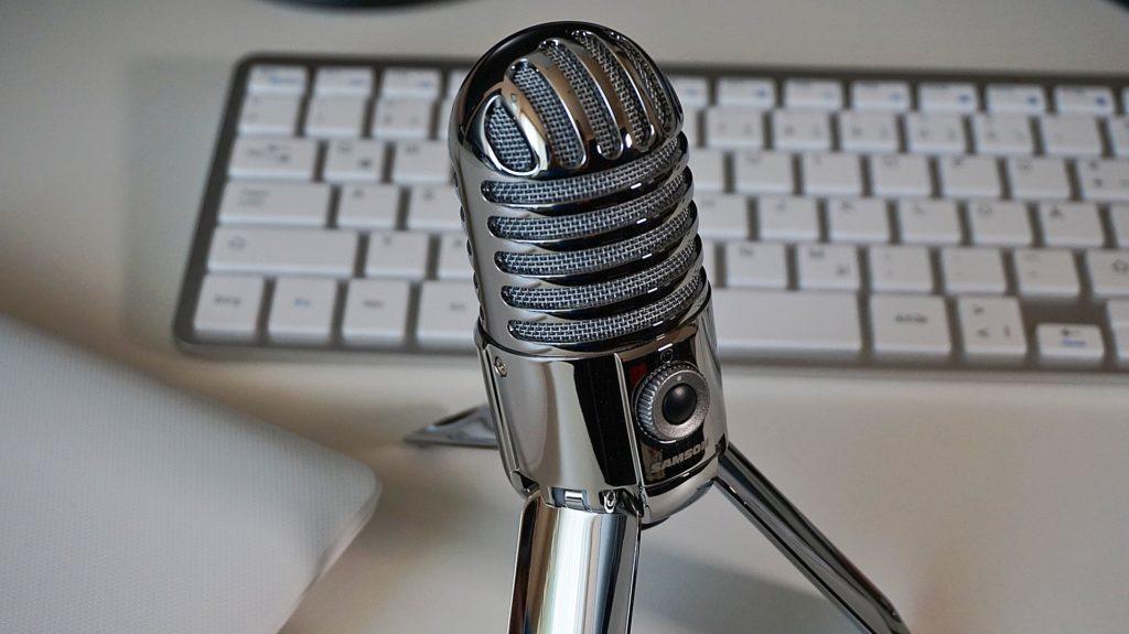microfono nuovo anno radio consulenza radiofonica