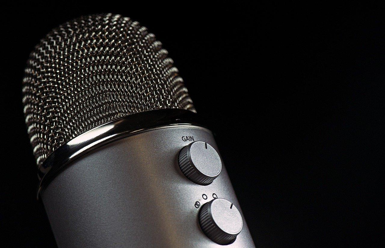microfono di uno speaker radiofonico