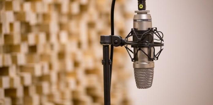 Microfono appeso