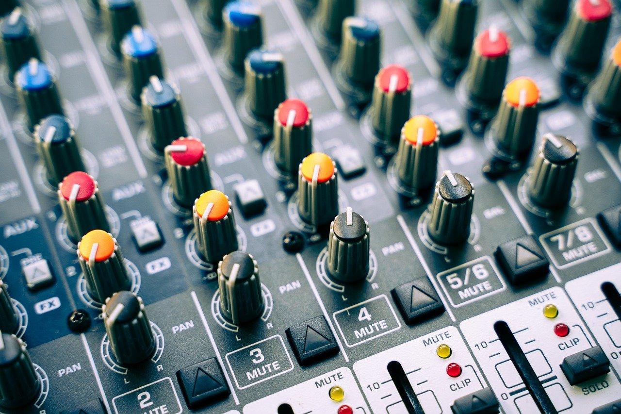 mixer da corso radiofonico