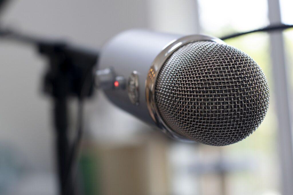 argomenti di cui parlare in radio