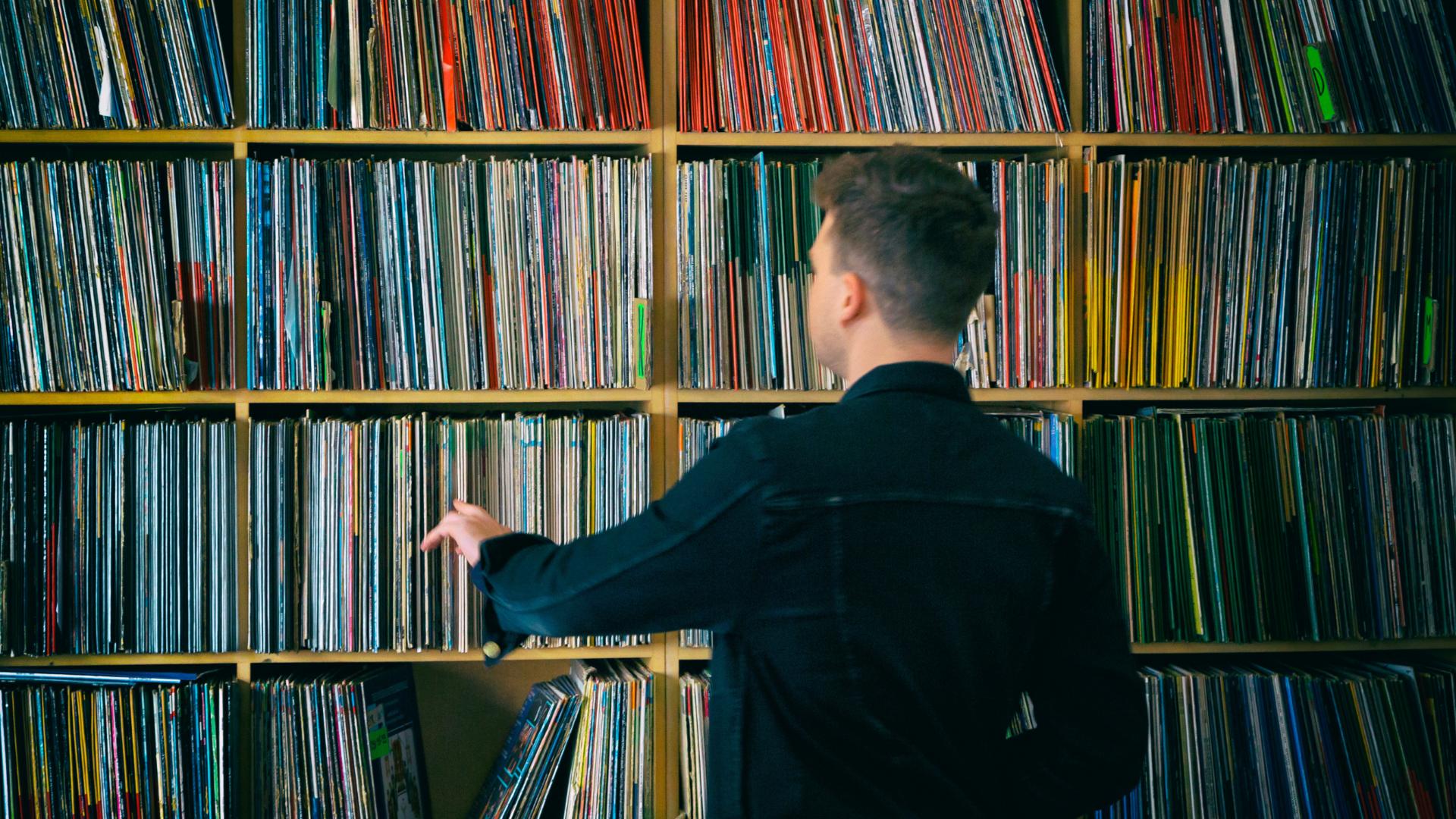 Servizi Alle Radio, Catalogazione e Gestione Dell'Archivio Musicale