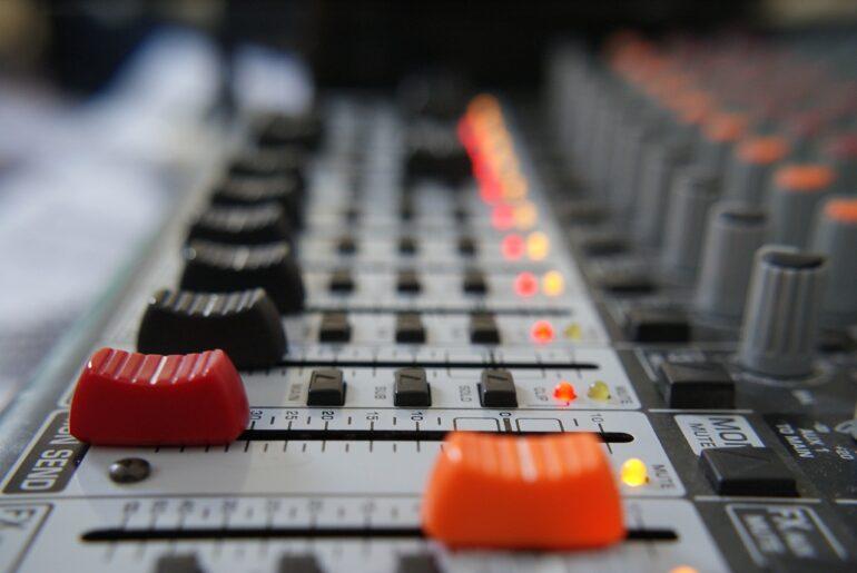 speaker radiofonico e autoregia