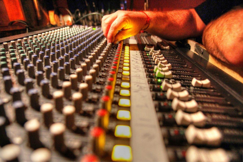 fonico o tecnico del suono